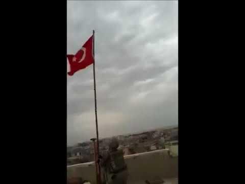 Türk askeri Bayrak dikimi YAŞASIN TURAN