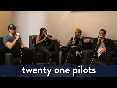 twenty one pilots Backstage Interview! |...