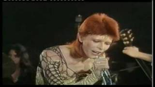David Bowie sings Jean Genie