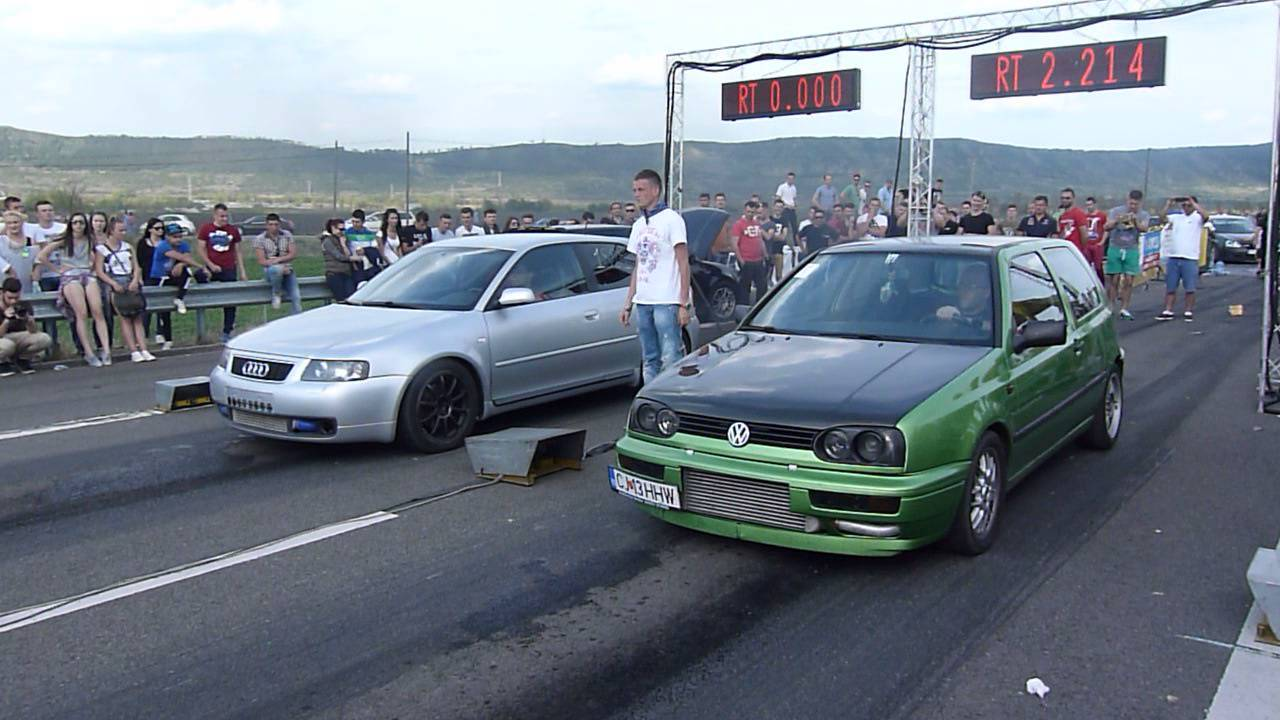 drag racing campia turzii audi a3 1 9d vs golf 3 1 9d youtube. Black Bedroom Furniture Sets. Home Design Ideas