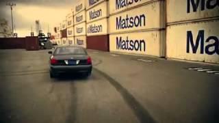 Безумная портовая гонка тягача и дрифт кара