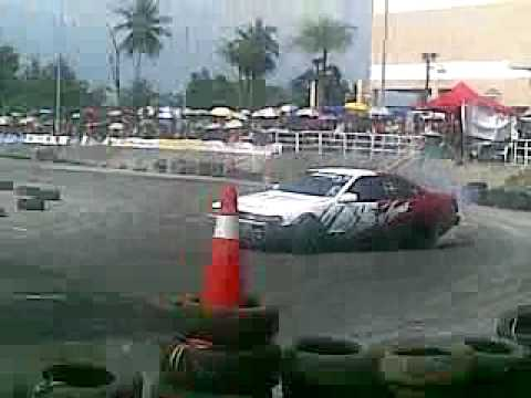 UNCONTROLLED DRIFT CAR