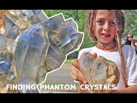 How To Collect Crystals In Arkansas At WEGNER PHANTOM QUARTZ MINE | CRYSTAL DIGGING GUIDE Episode 3