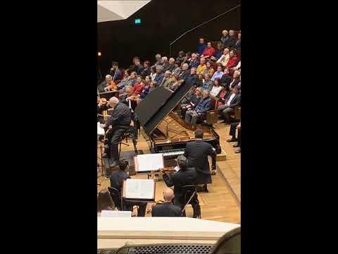 Денис Мацуев и Гевандхаус оркестр под управлением Михаила Юровского.