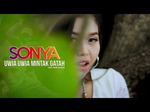 Lagu Minang Terbaru Sonya - Uwia Uwia Mintak Gatah ( Official Music Video )