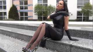 Repeat youtube video Outdoor in leather and extreme highheels Sampler 11