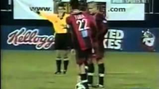 【サッカー】一瞬、意味が分からないゴール集 thumbnail