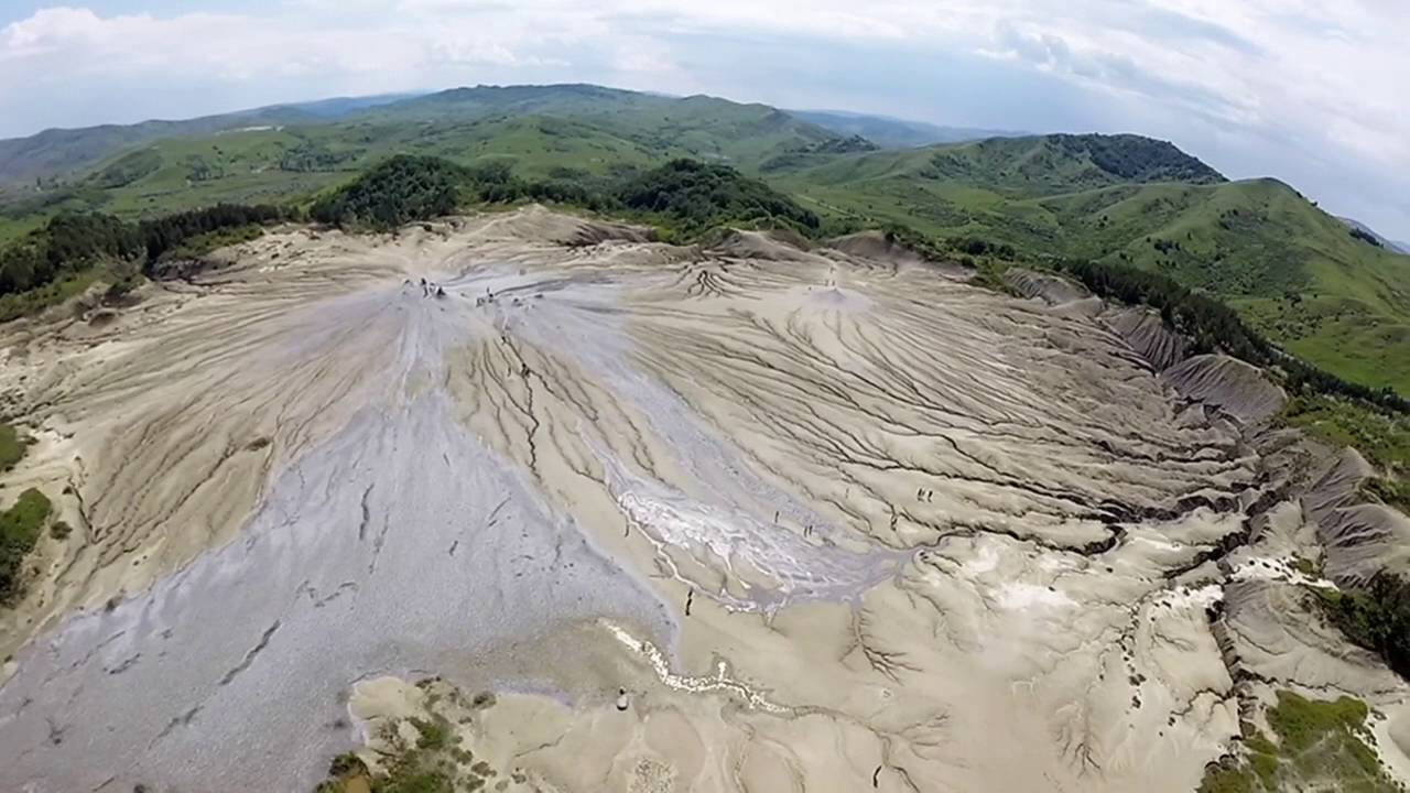 Vulcanii Noroiosi Buzau (Berca Mud Volcanoes) 2016 - YouTube
