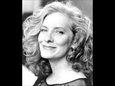 betty buckley carrie