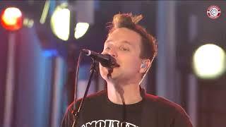 blink-182 - What's My Age Again + Dammit + Josie [HD] (Jimmy Kimmel 09-06-2009)