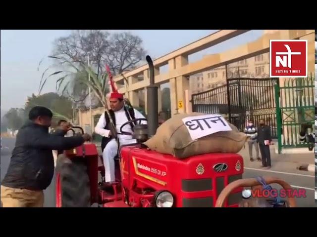 लखनऊ: सपा MLC  राजेश यादव का विधानसभा गेट पर प्रदर्शन । Nation Times