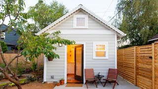 Charming Tiny Guest House With Modern Decor | Lovely Tiny House