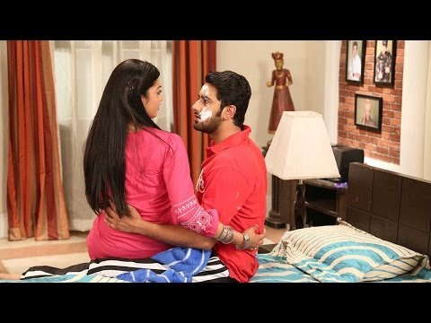 Veera And Baldev Share Romantic Moments