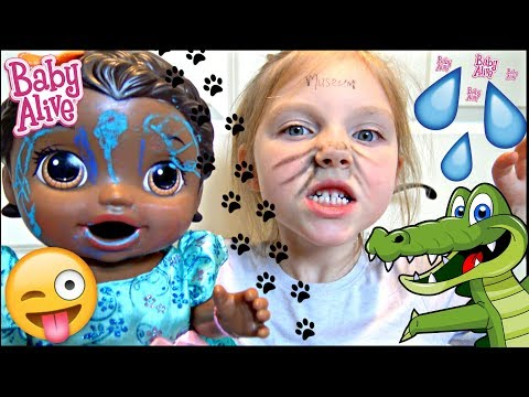BABY ALIVE goes to the CHILDREN'S MUSEUM! The Lilly and Mommy Show. The TOYTASTIC Sisters. SKIT