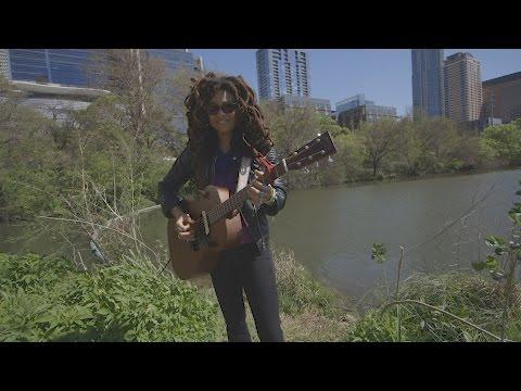 "Valerie June - ""Shakedown"" - On The Road at SXSW"