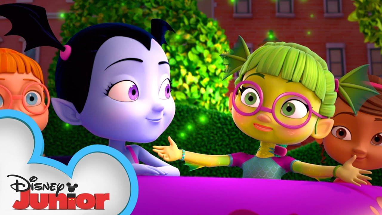 Vampirina:バンピリーナとバンパイア家族