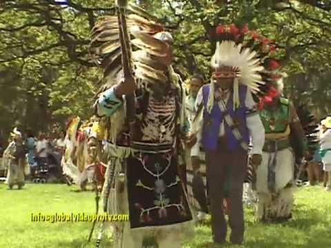 NATIVE AMERICAN INDIANS, POW WOW (TRIBAL GATHERING) HONOLULU HAWAII