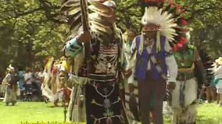 NATIVE AMERICAN INDIANS, POW WOW (TRIBAL GATHERING) HAWAII