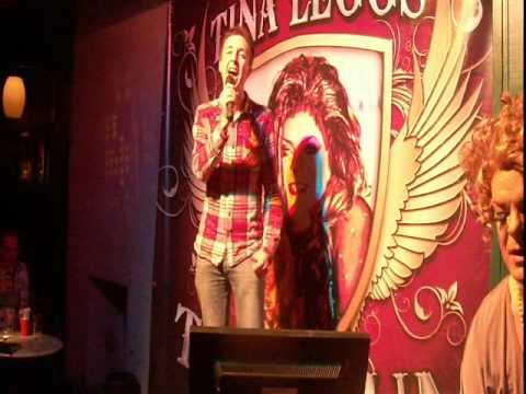 Belfast: Karaoke