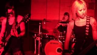 Kittie:  Live Odessa Texas, Dos Amigos intro. 720p/1080p