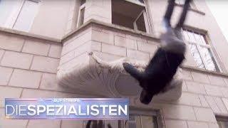 Gaffen am Einsatzort endet tragisch: Mann fällt ausm Haus | Oliver Dreier | Die Spezialisten | SAT.1