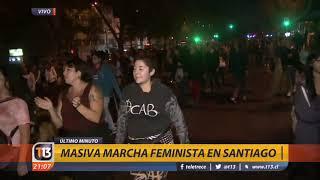 Masiva marcha feminista en Santiago