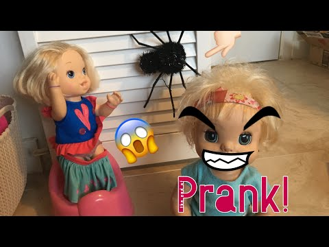 BABY ALIVE: Danielle pranks her siblings with a toy spider!