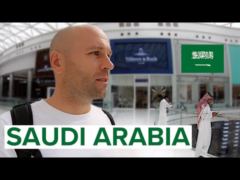 SHOCKING FIRST IMPRESSIONS! 🇸🇦ترجمة عربية INSIDE SAUDI ARABIA #1