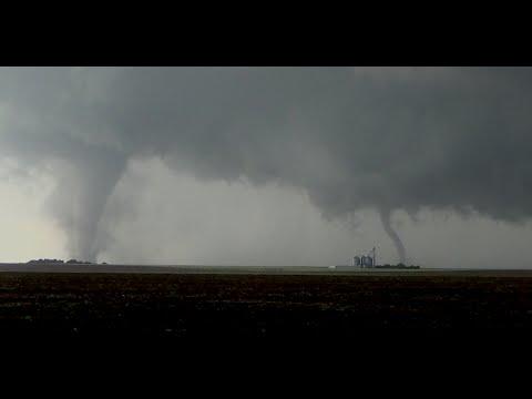 Dodge City, KS Tornado Family!! 5/24/16