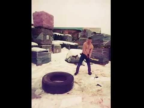 Стриптиз на снегу