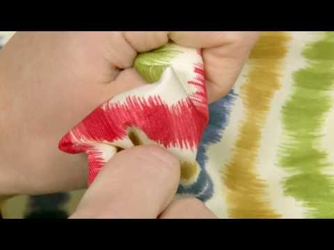 video-of-waverly-optical-delights-lipstick-fabric-#676140