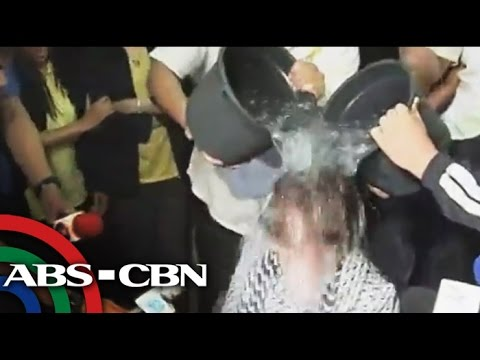 Politicians answer ice bucket challenge