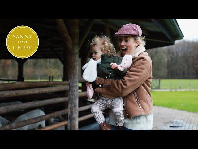 EXTRA LANGE VLOG: Eerste sinterklaas en heel veel feestjes  | Sanny zoekt Geluk
