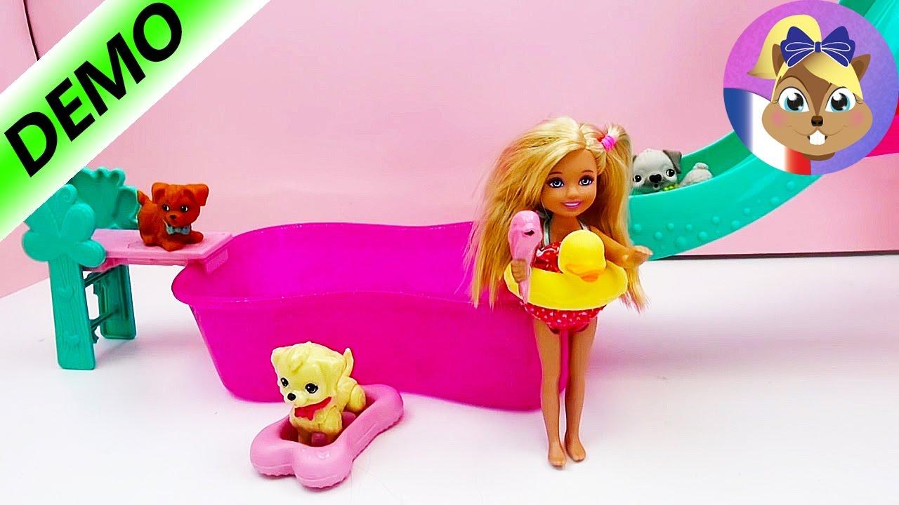 Barbie à La Piscine Avec Son Chien Le Petit Chien Fait Un Salto Flippin Pup Pool
