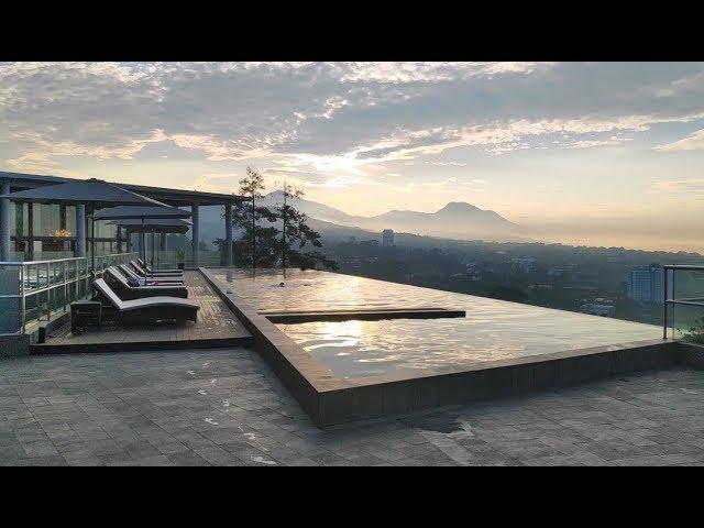 Infinity Pool View Lanskap Pegunungan di Swiss-belresort Dago Heritage