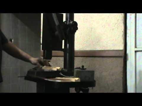 Grabado de moldura de madera con troquel caliente en - Molduras de madera ...