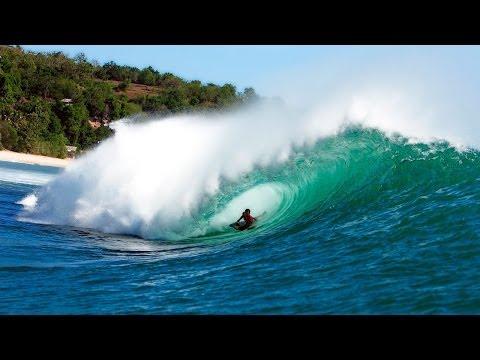 Playas por el mundo: Padang-Padang, paraíso para surfers en Bali, y Kuta, la más turística