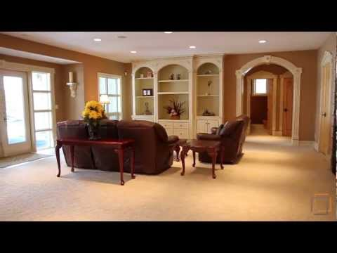 Luxury Living on the Lake in Heritage Pointe - Real Estate Property Video