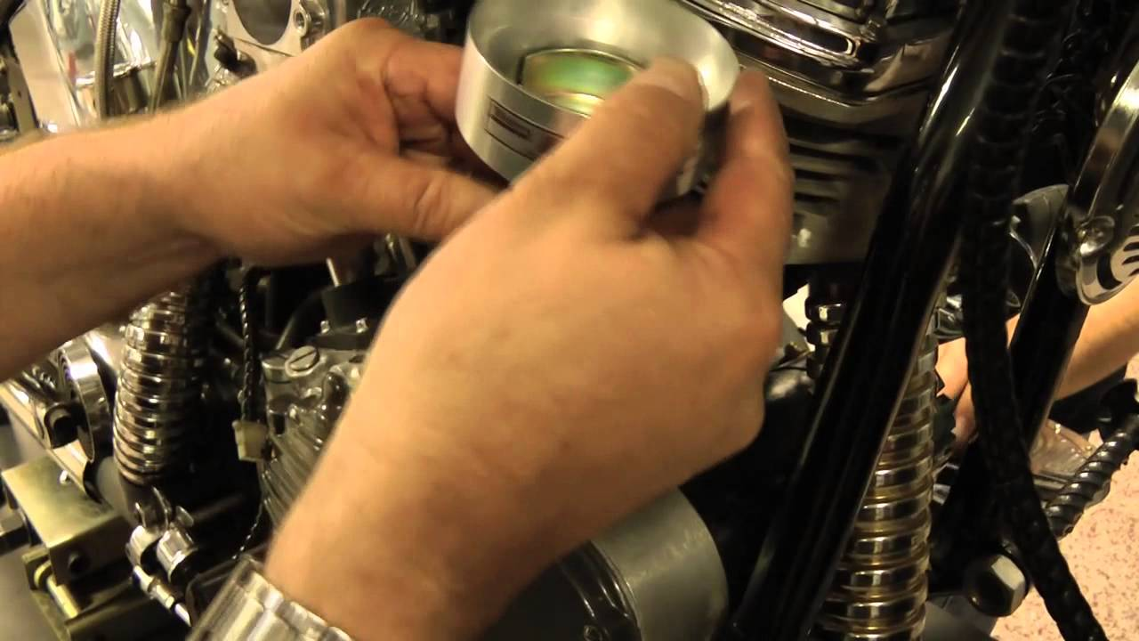 ACCEL Motorcycle - Installing an Electronic Advance Distributor in a Harley  Big Twin