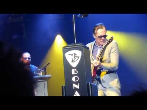 "Joe Bonamassa ""Living On The Moon"" Carre Amsterdam 15.3.2015"