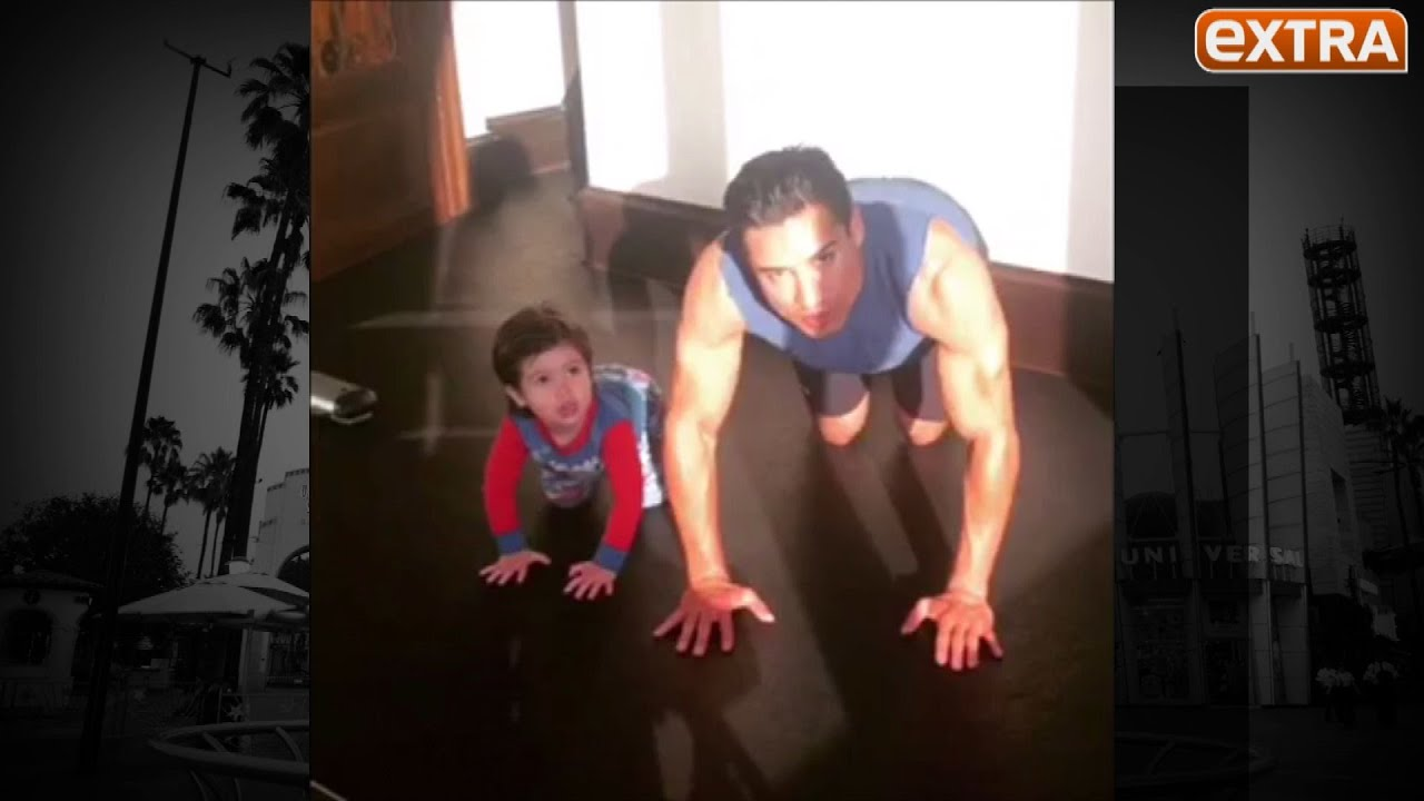 Mario Lopez His Son Do The 22 Push Up Challenge To Honor Those