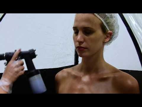 Tutorial On How To Spray Tan By Jasmine - Creator Of Bella Bronze Tan