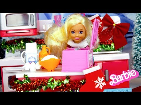 Barbie Sister Chelsea Holiday Routine - Making Christmas Dinner!