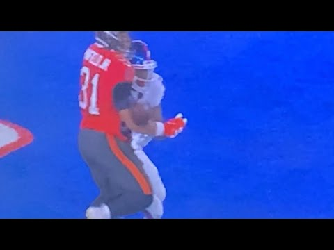 That's A PI: Giants Dion Lewis Was Interfered With By Antoine Winfield Jr Of Bucs On MNF