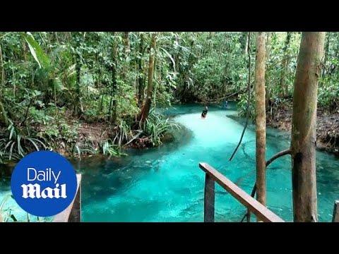 Прекрасно сино езеро скриено во недопрена природа во Индонезија