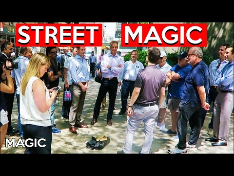 How To Gather A Street Magic Crowd!