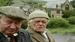 Last of the Summer Wine S12E02 Come in Sunray Major