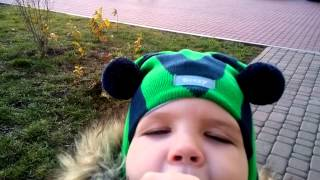 Видео шапки шлема Beezy(Бизи) весна осень 2016(Шапочка шлем Бизи из 100% хлопка на хлопоковой подкладке. Шапка шлем утеплена на ушках тонким но теплым и..., 2015-12-25T20:16:20.000Z)