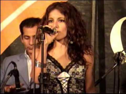 Corazón Serrano - Lagrimas Negras (En Vivo)