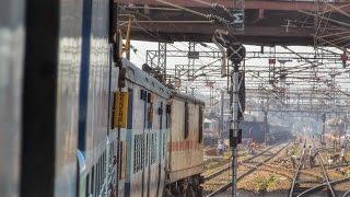 Skipping Agra Cantt-Karnataka SK Overtaking Swarna Jayanthi SF & Crossing Mah